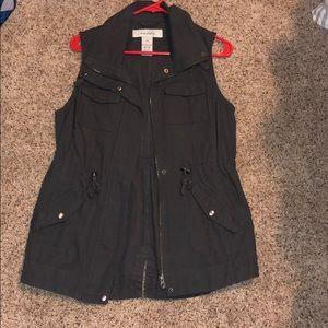 Sebby vest